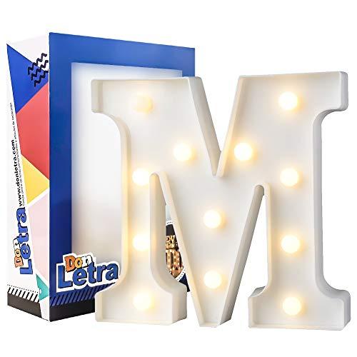 caja con letras y luz ikea