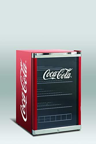 Refrigerador botellero mediano puerta de Cristal, color rojo con logotipo en la puerta de coca cola Rango de temperatura de 4º a 12º Marca Scandomestic modelo HUS CC166 SCN A+