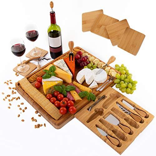 Tabla de quesos de bambú extragrande, incluye posavasos, cajón deslizable con sacacorchos, tapón de botella, cuchillos de acero inoxidable y tenedores de servir, regalo perfecto - por PlaNet